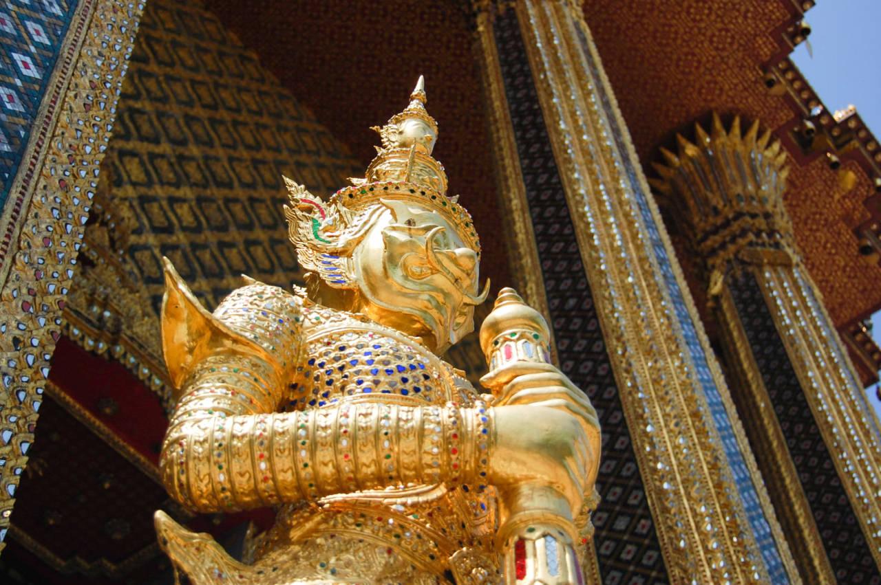 ワット・プラケオの像