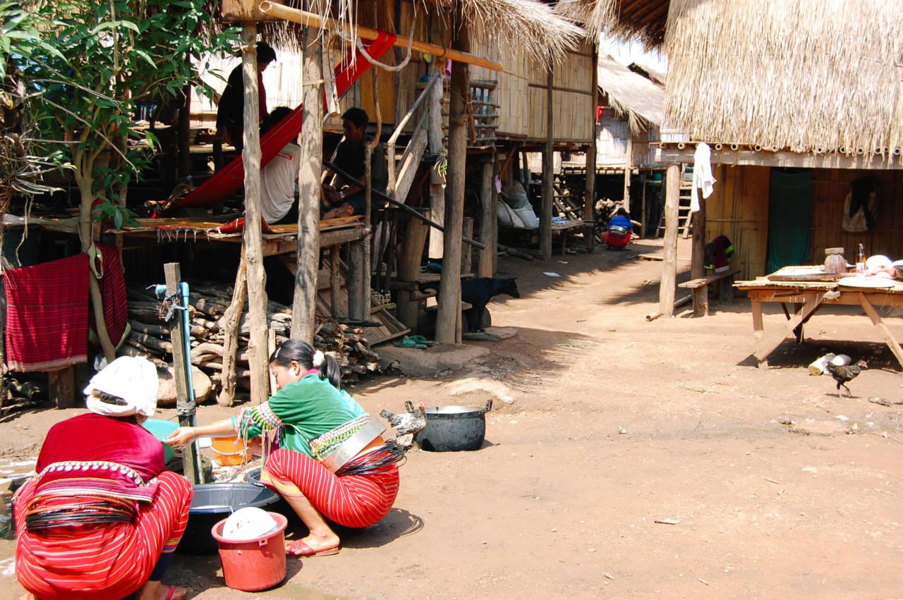パロン族の村人