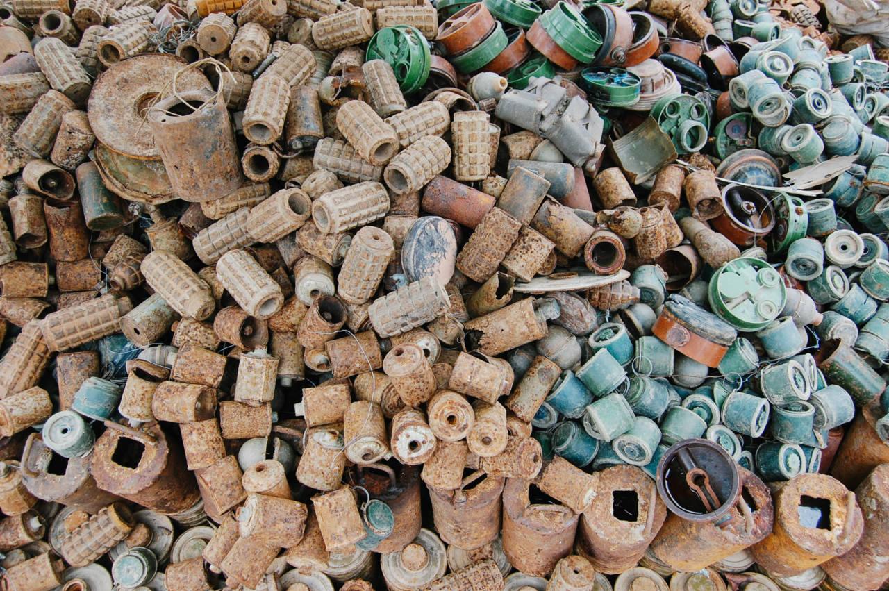 アキ・ラーの除去した地雷や手榴弾