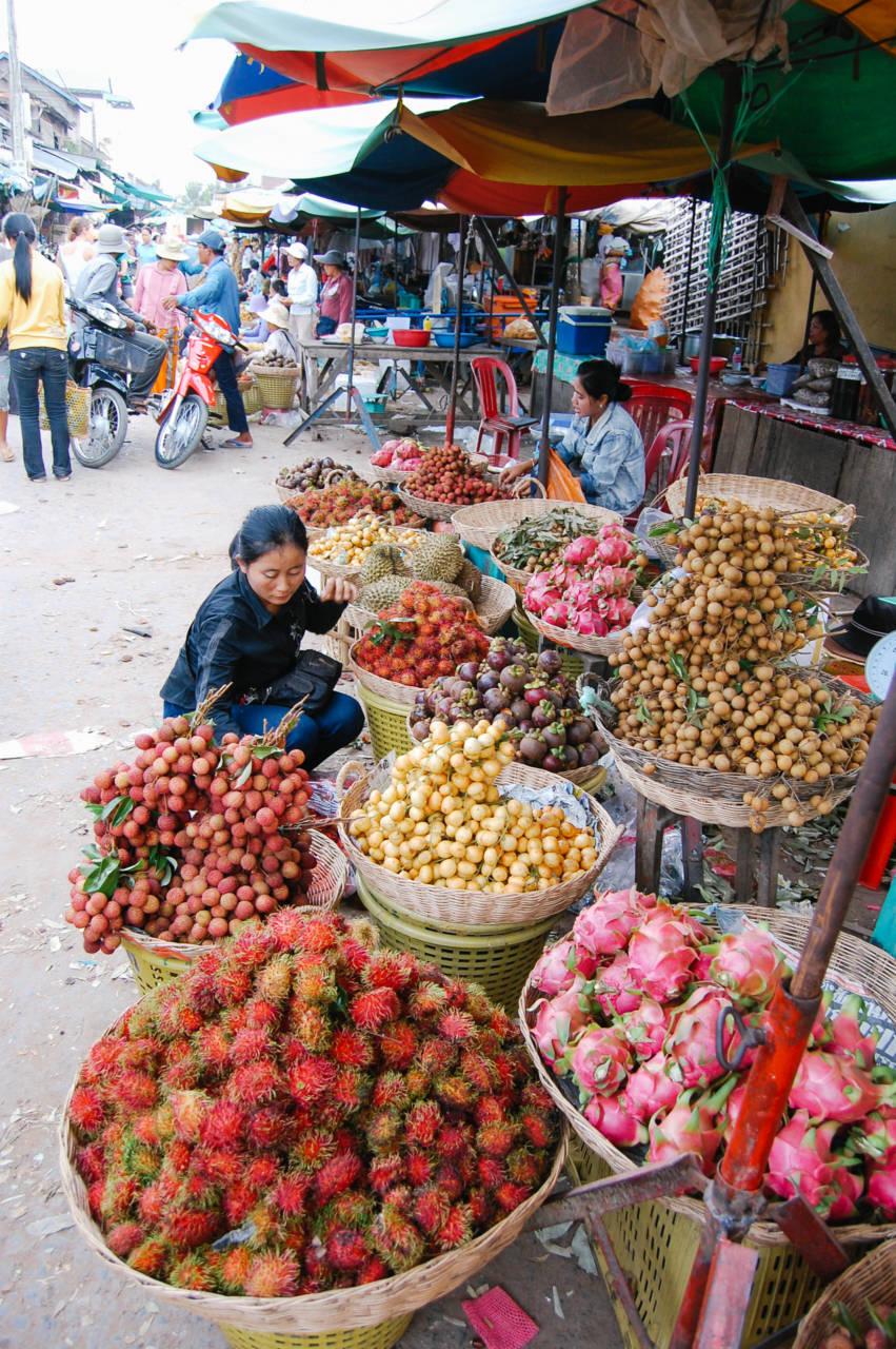 プサー・ルー市場 マンゴスチンやランブータン