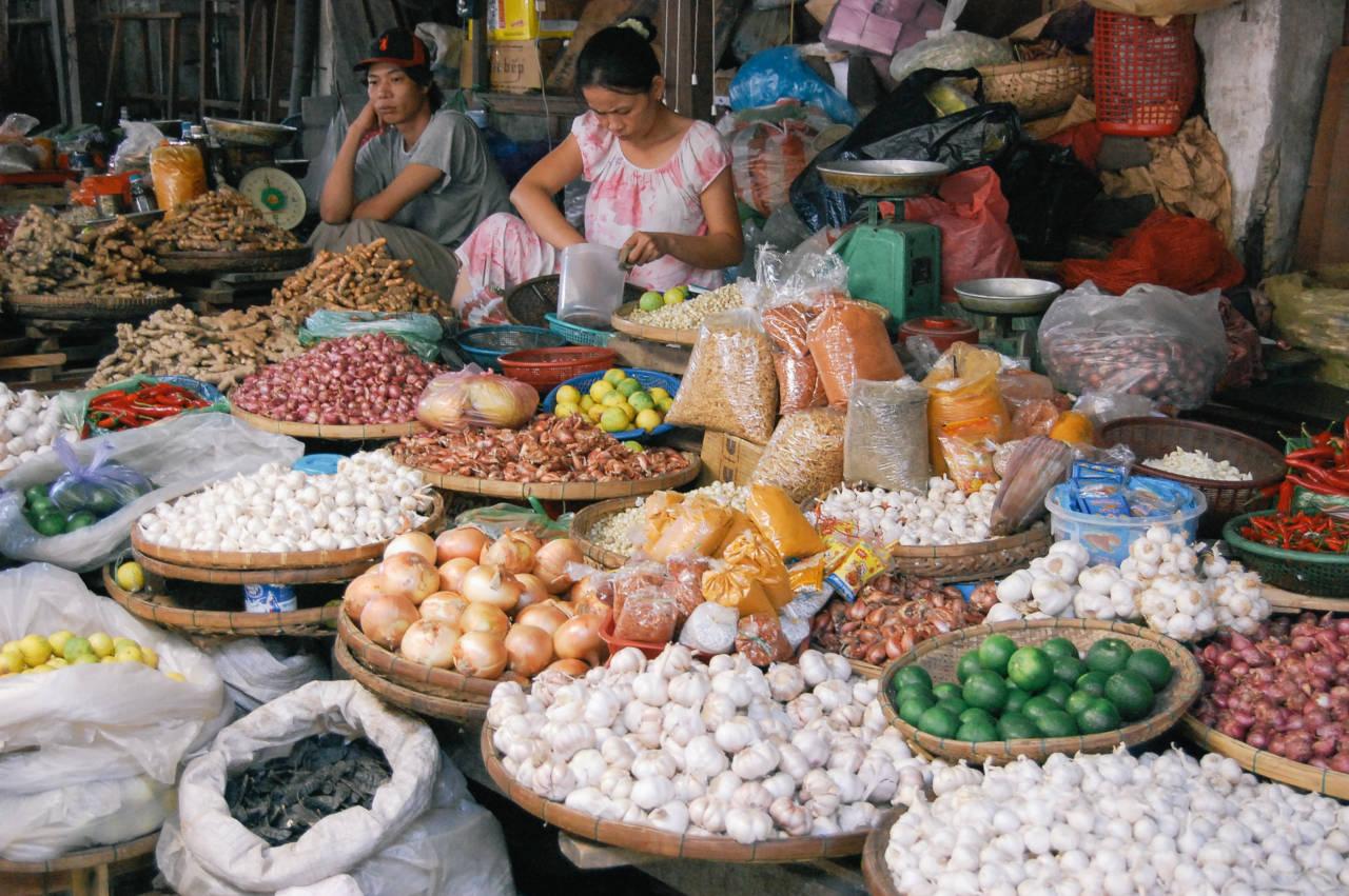 ホイアンの市場の光景