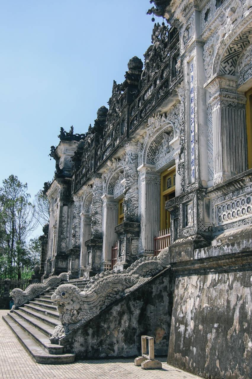 カイディン帝廟 壁面の装飾が美しい