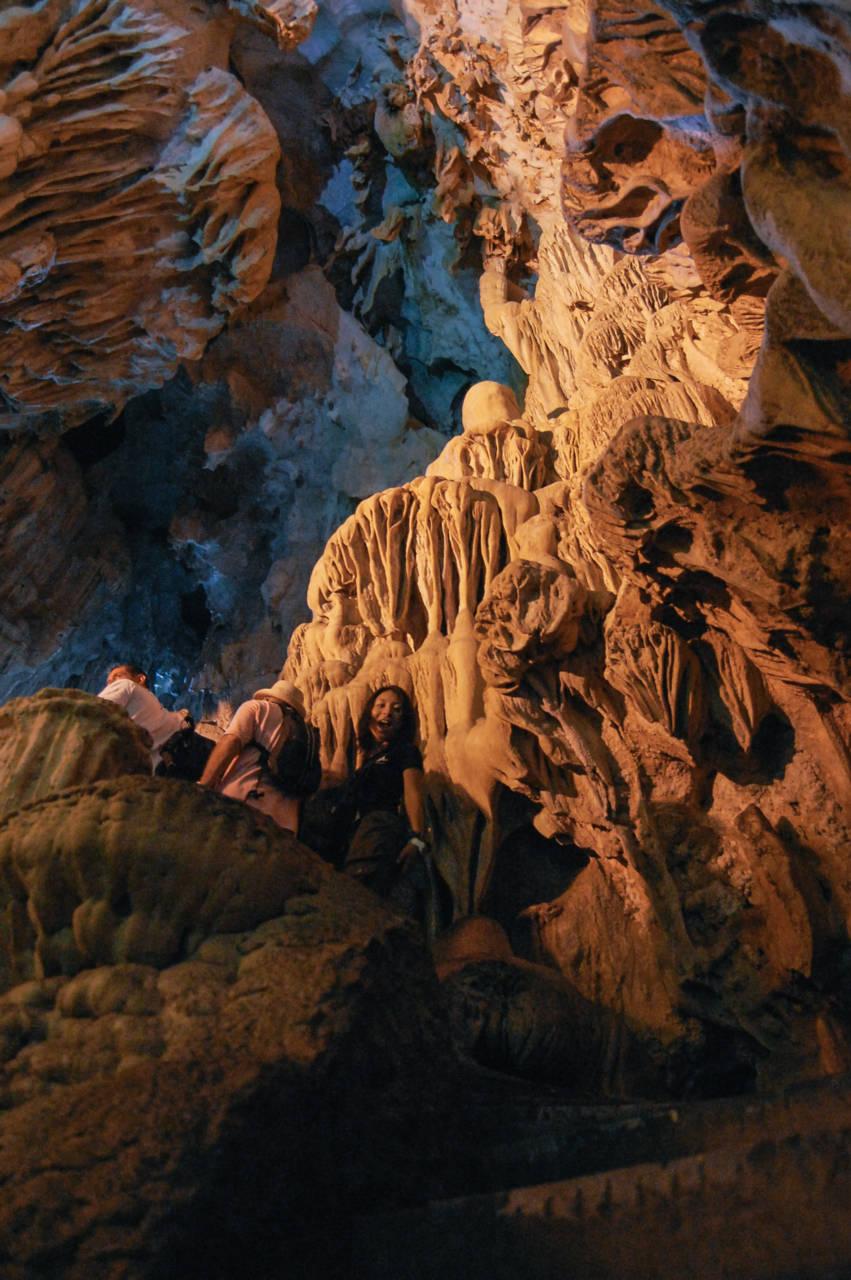 ハロン湾 鍾乳洞の階段