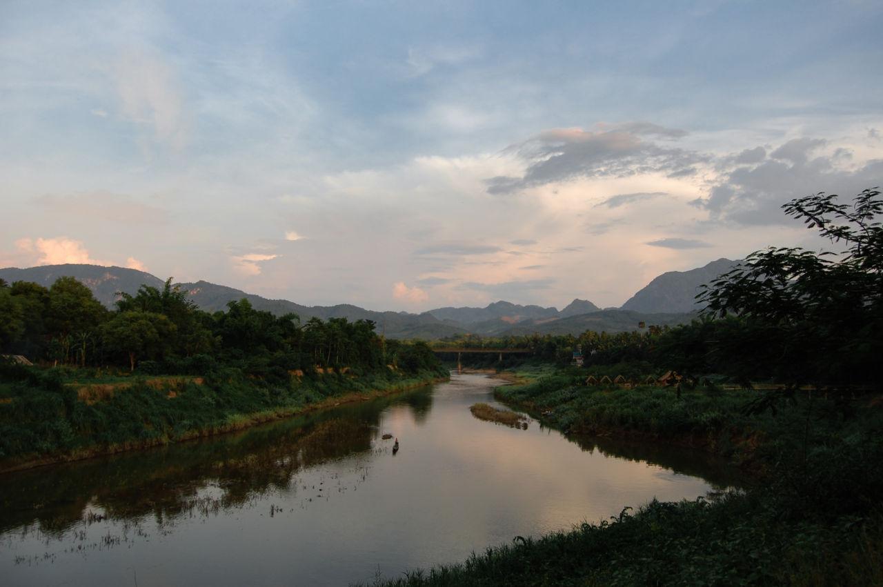 夕暮れのカーン川