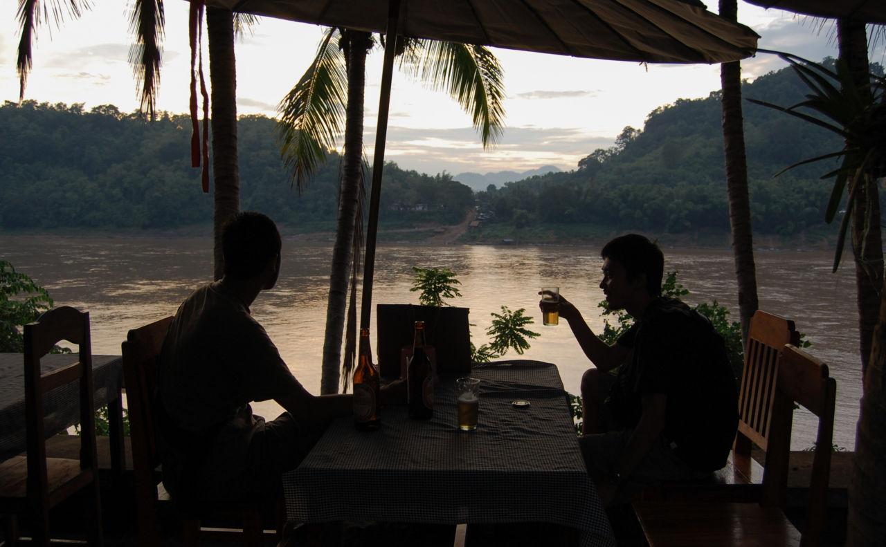 メコン川とビール