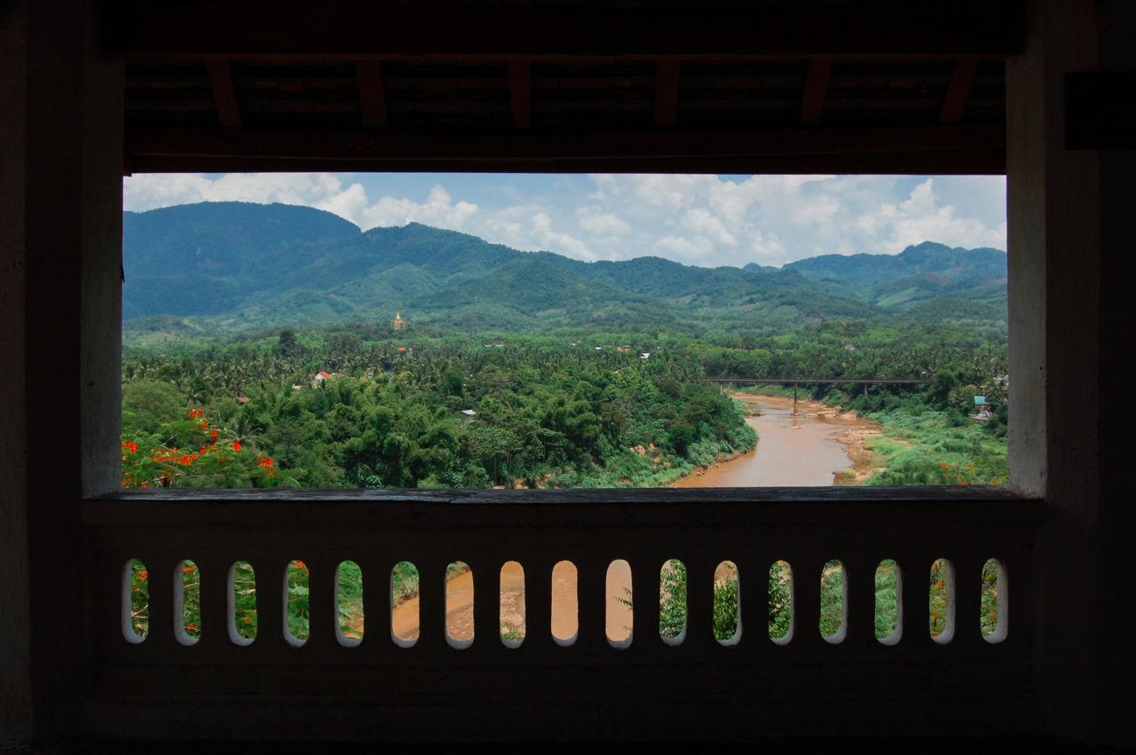 ルアンパバーンのワット・タモから眺めるカーン川