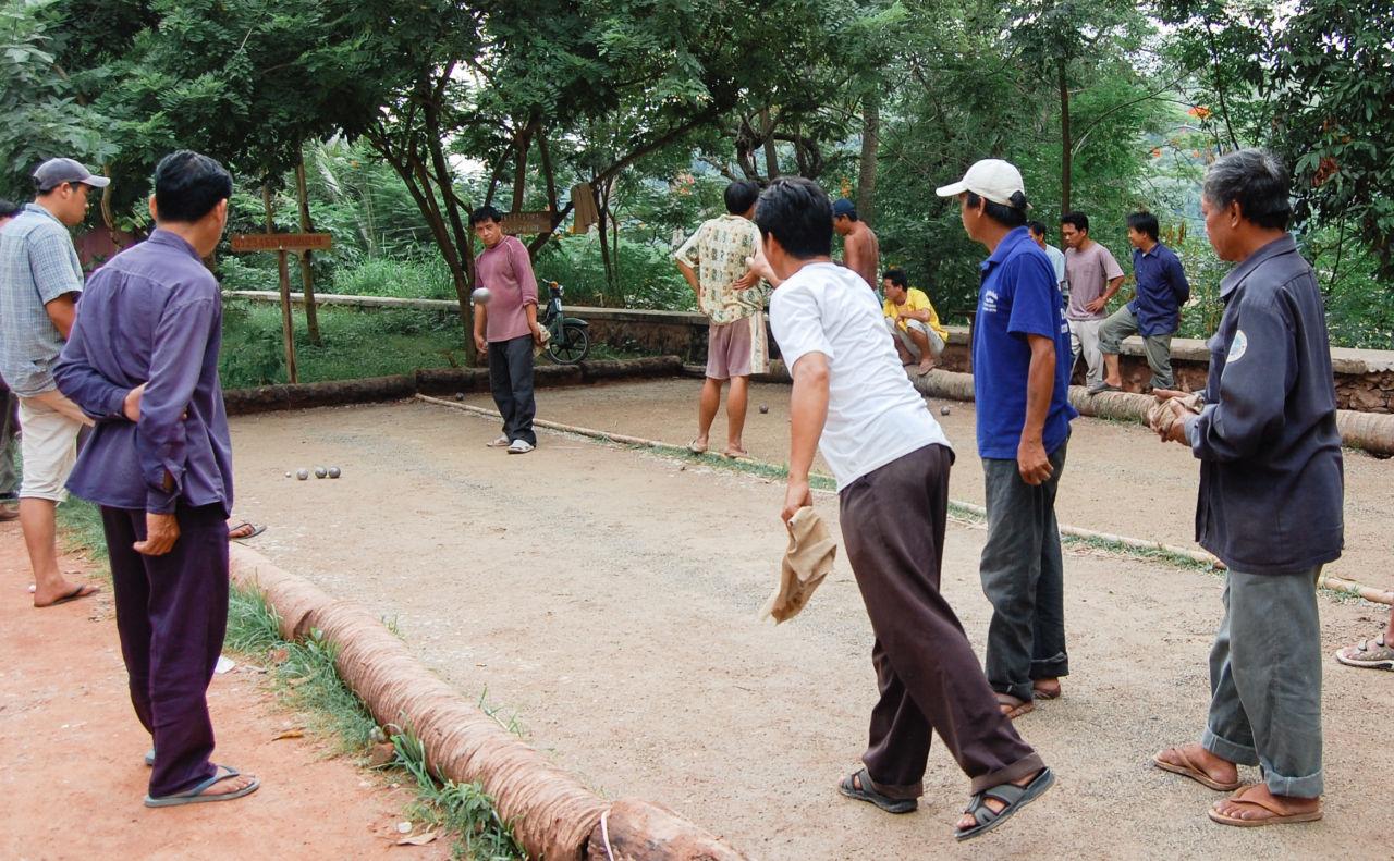 ラオスの球技パタンク