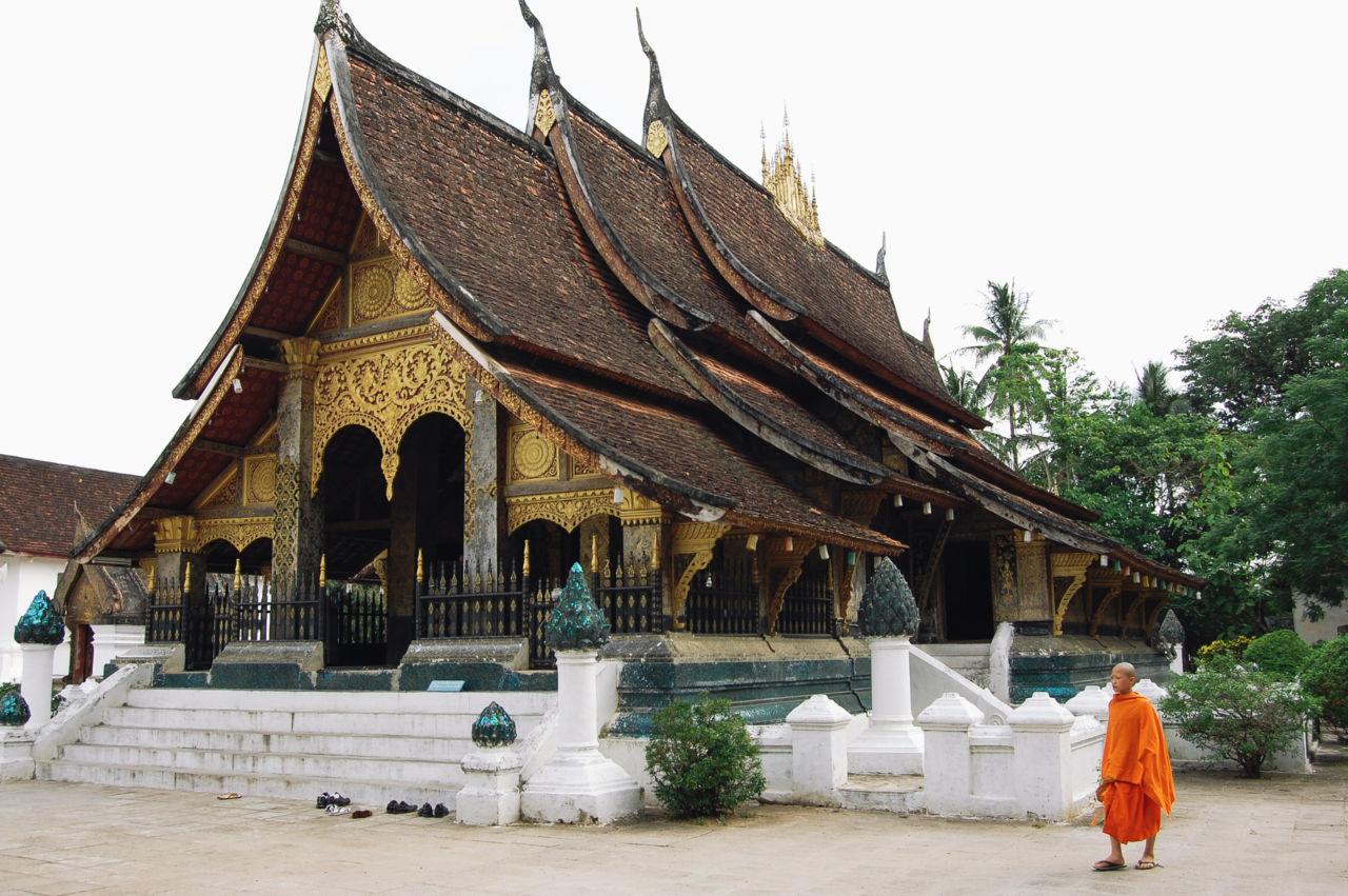 ルアンパバーン様式の寺院 ワット・シェントーン Wat Xiengthong
