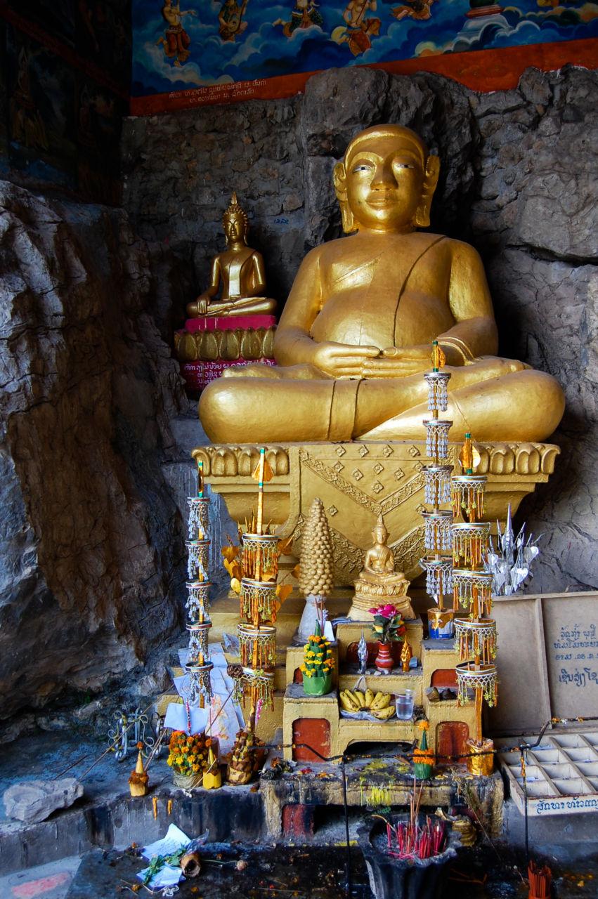 ルアンパバーンの寺院ワット・タモのプラ・サンガッジャーイ