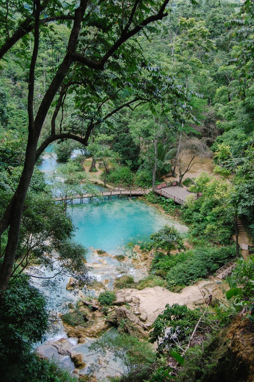 クアンシーの滝の上からの眺め