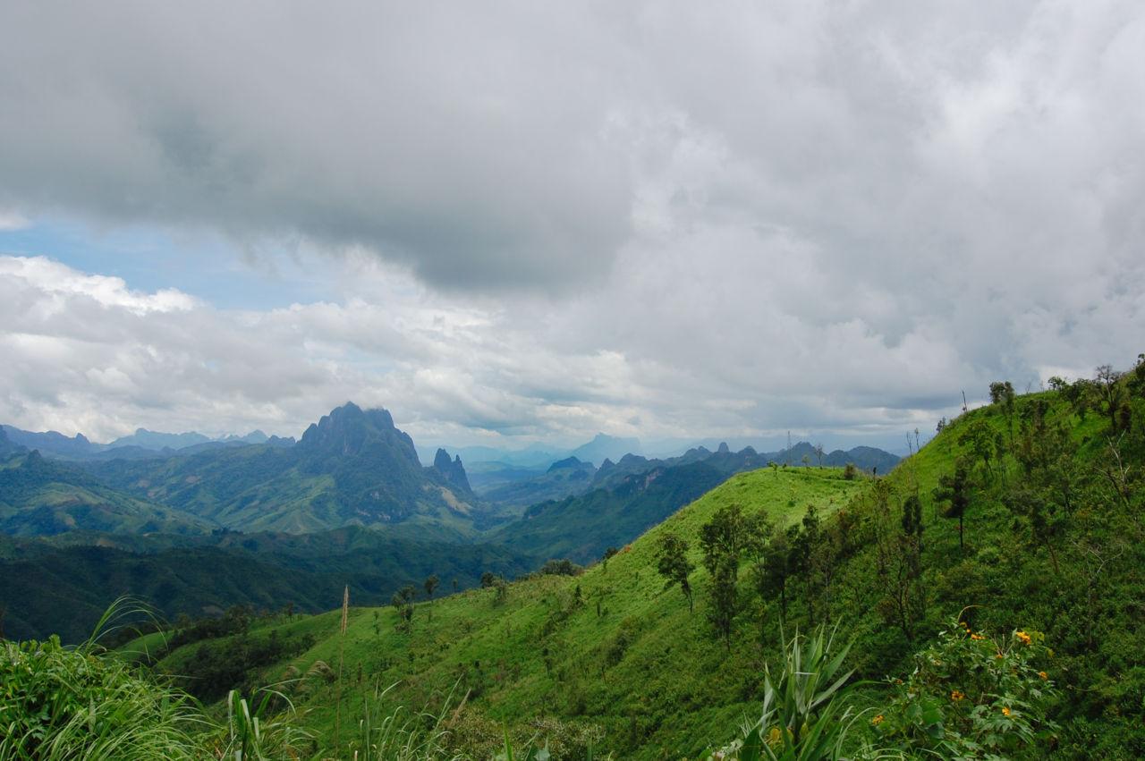 ラオスの山岳地帯