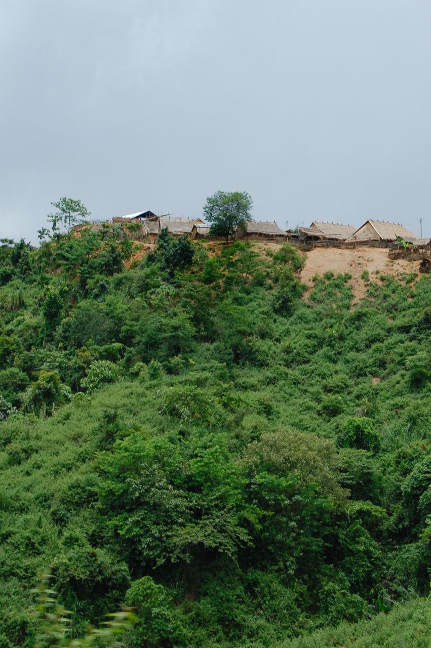 ラオス 山の集落