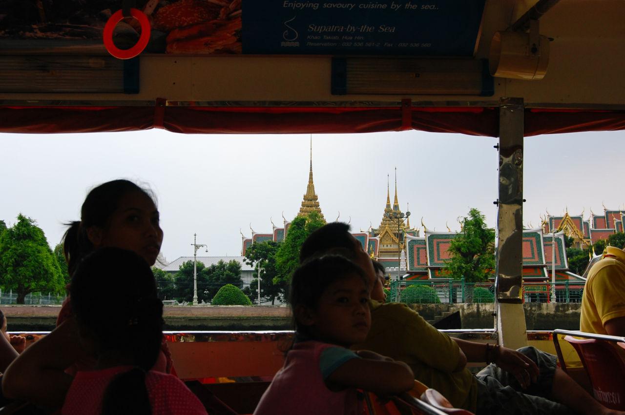 バンコク チャオプラヤー川 王宮寺院