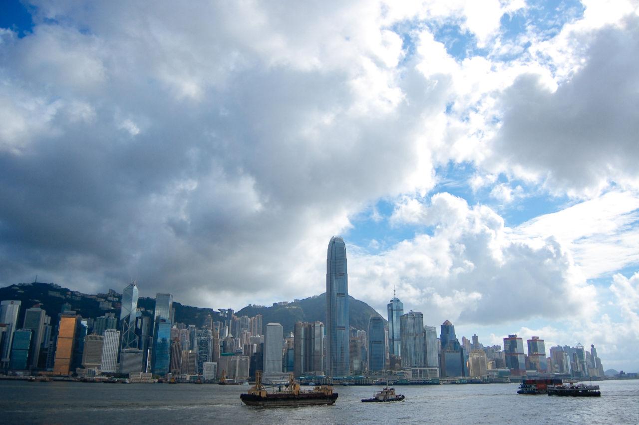 香港島の高層金融ビル群