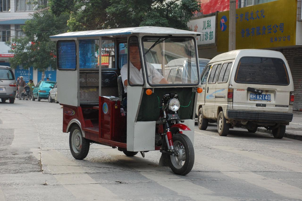 桂林 トゥクトゥク バイクタクシー