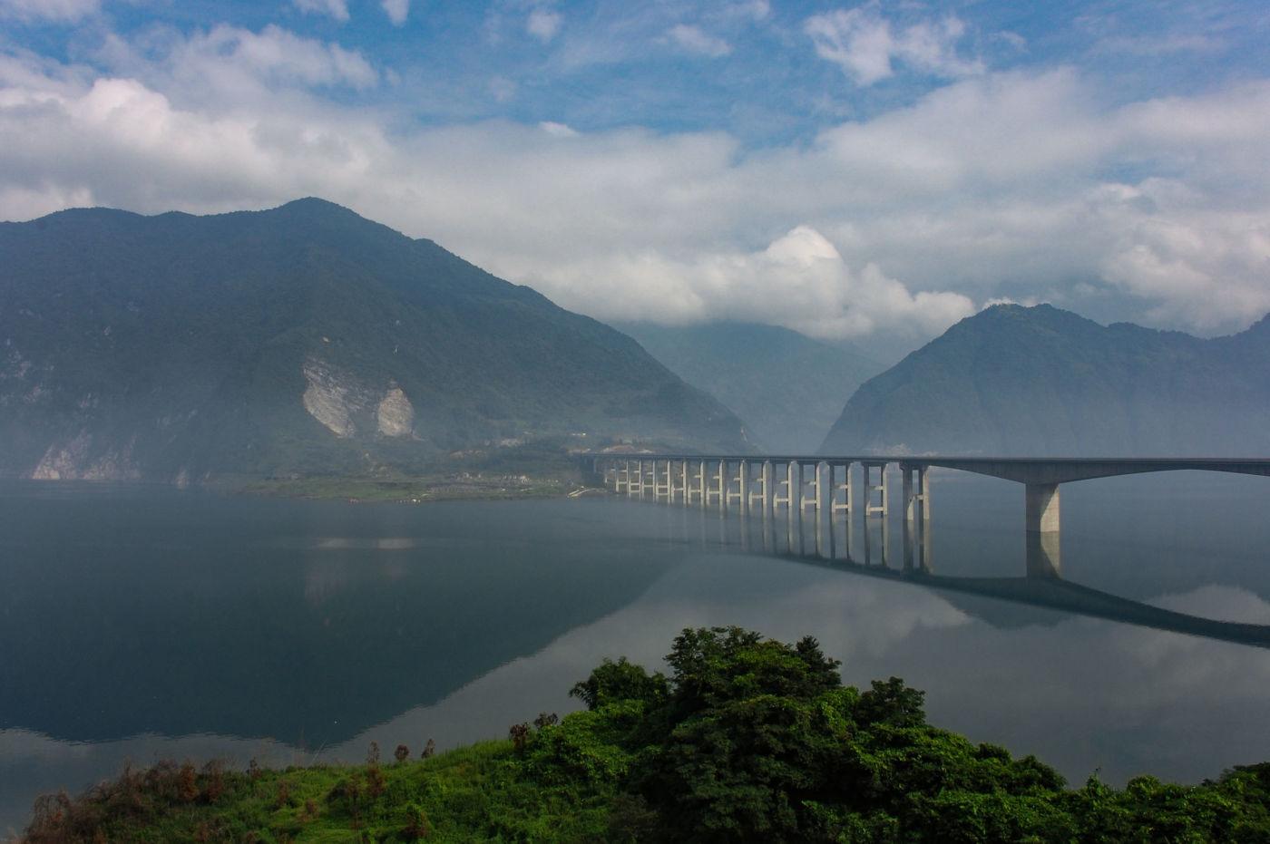 岷江の紫坪埔ダム