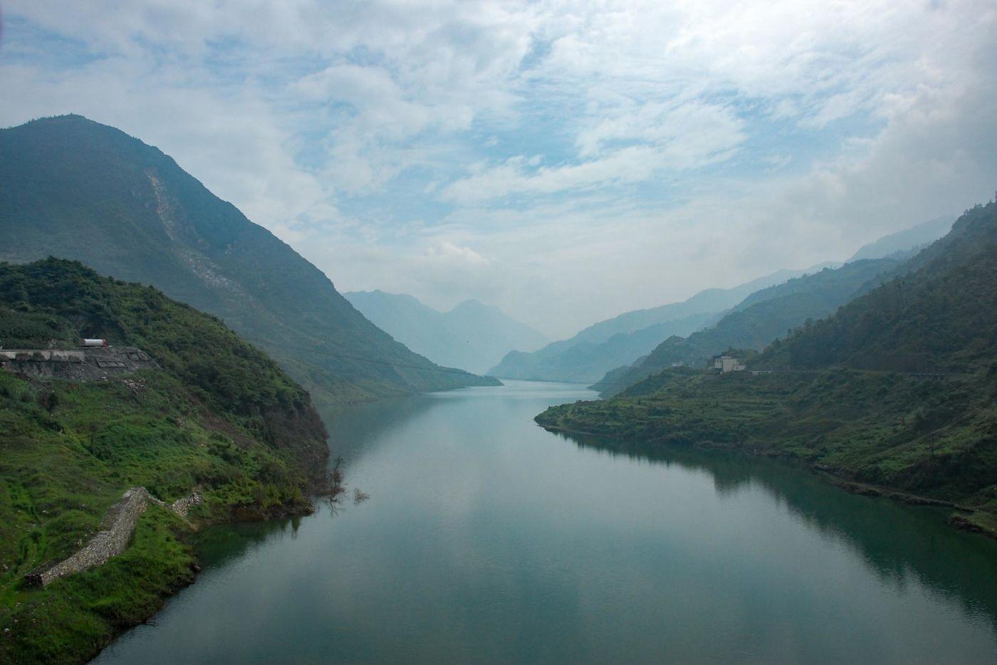 岷江の渓谷