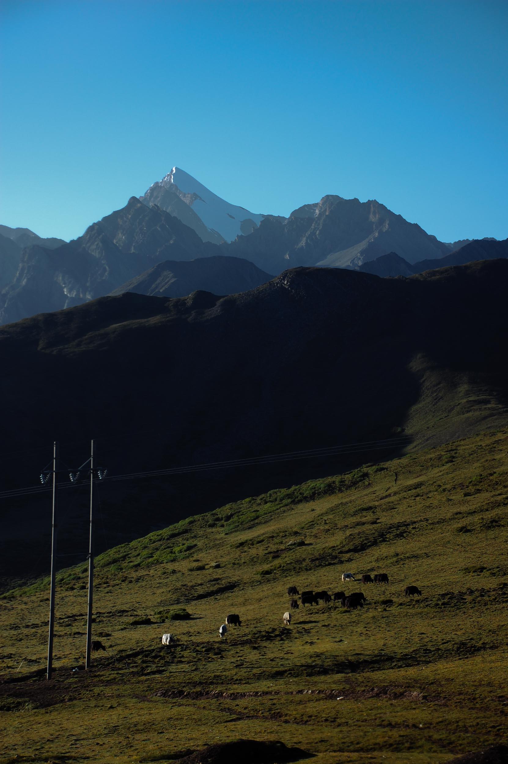 岷山山脈最高峰の雪宝頂